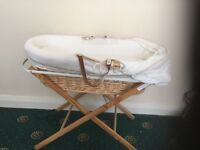Izzi wot not Moses basket & stand and covers