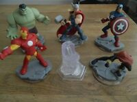 6x Disney Infinity Marvel Super Hero figures. 18 pounds ono.