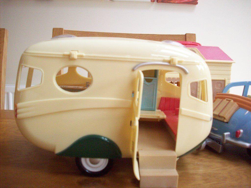 Sylvanian car,caravan and small carry house