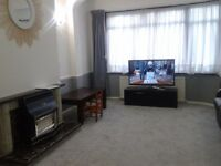 Beautifully presented three bedroom house in Barking IG11..Available Now!!!!