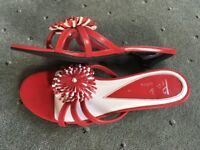 Servas New ladies shoes in Red and White with Black heels, size UK3