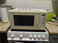 panasonic microwave in good condition has had a deep clean out