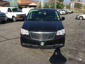 2016 Chrysler Town & Country Touring-L LEATHER REAR CAMERA!!!