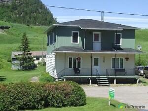 144 900$ - Maison 2 étages à vendre à Ste-Rose-Du-Nord Saguenay Saguenay-Lac-Saint-Jean image 1