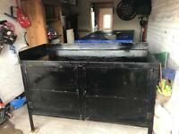 Solid heavy duty workbench with vice £100