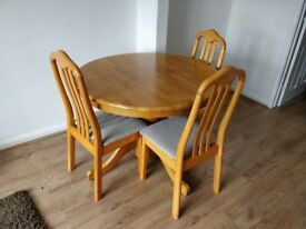 Wooden Dining Table Extendable With 4 Chairs