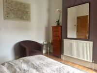 2 Large Double Room in Beautiful Victorian House