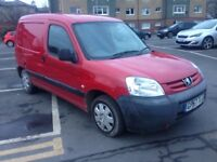 57 PEUGEOT PARTNER VAN 1-6 DIESEL, DRIVES GREAT, DAMAGED REAR PANEL, MOT £795