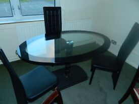 Ex display glass oval table with 3 chairs ONLY £100