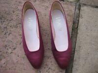 Bridesmaid shoes size 5 maroon