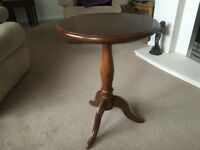 Round Lamp Table Cherry Wood