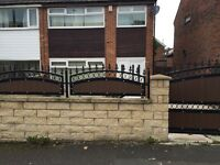 3 bedroom SEMI-DETACHED part furnished house in STAINCLIFFE DEWSBURY front rear garden drive way