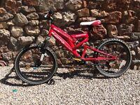 Bargain boys 5-8 year old mountain bike. 'Muddy Fox'