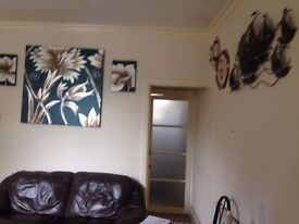 MODERN DOUBLE ROOM TO LET IN SHARED HOUSE, CLOSE TO CITY CENTER
