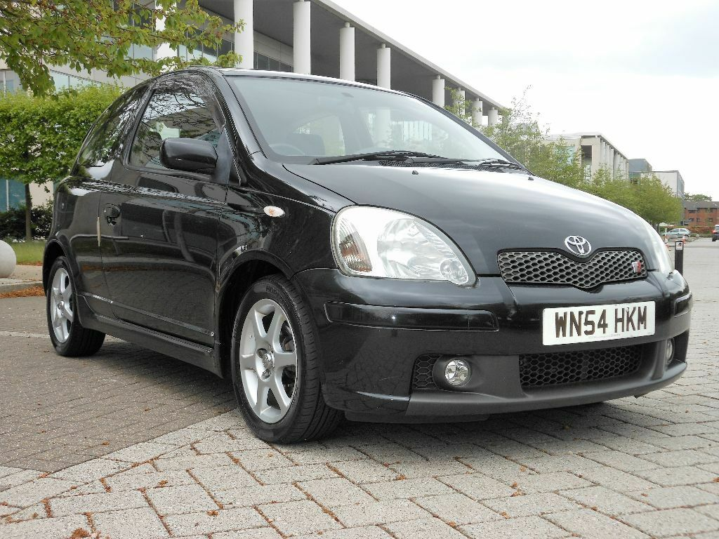 toyota toyota yaris t sport vvti 1 5 3 door hatchback facelift model lady owner 2004 54reg. Black Bedroom Furniture Sets. Home Design Ideas