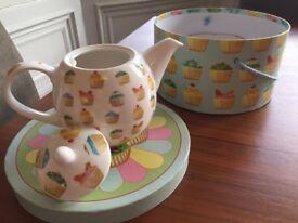 Cupcake design Teapot in gift box