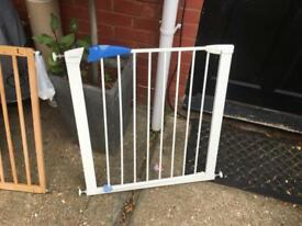 Mothercare Wooden extending stairgate & Lindam metal stairgate