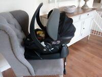Besafe Izi car seat and Isofix base, immaculate.