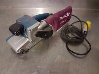 """Makita 9404 Belt Sander 4"""" 100X610mm Belts 110V with dust bag"""