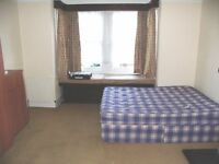Rooms available in uxbridge £350-£450