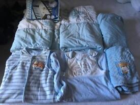 Boys blue cot bundle & bath seat