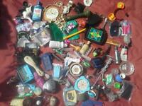 8 Joblot Job lot various items for personal and family use and bric-a-brac for boot sales.