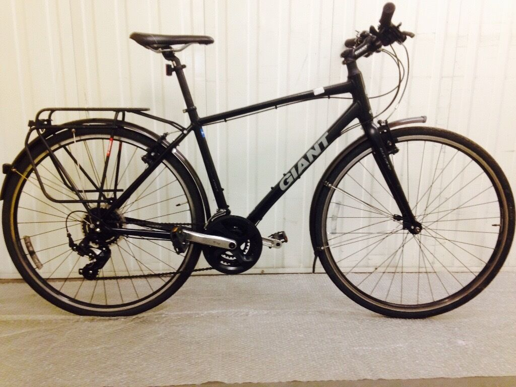 Mint Giant Escape Brand New Rack And Mudguards Mounted Worth