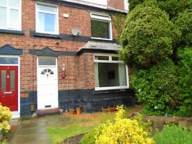 2 Bed in Little Sutton to rent with Parking and gardens, great location!