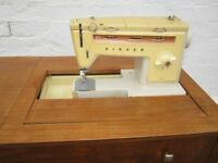 RARE 1970'S SINGER SEWING MACHINE MODEL 538 LIGHTWEIGHT (FOLDS INTO LOVELY TABLE) WITH ACCESSORIES