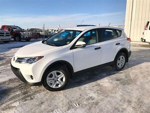 2013 Toyota RAV4 LE AWD- Low kms!! Maintained g