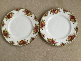 """ROYAL ALBERT OLD COUNTRY ROSES CHINA TWO 8""""PLATES"""