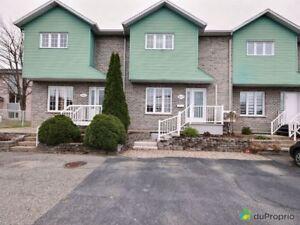 198 400$ - Maison en rangée / de ville à vendre à Ste-Marie
