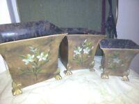 Set of three planters
