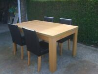 TABLE & CHAIRS (NEAR MARKET WEIGHTON)