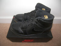 Nike Air Jordan Retro 1 Black Gum Shoes , Trainers , Uk Size: 8 (Euro: 42.5)