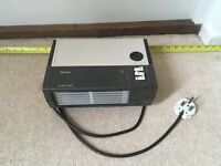 Small Phillips 2KW thermostatic fan heater.