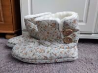 New Look fluffy slipper boots size L *Brand New with Tag*