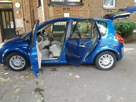 Renault Scenic 2007 2.0 VVT Privilege with front and back parking sensor