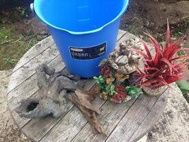 Fish tank ornaments and bucket