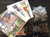 Nintendo New 3DS Black (Monster Hunter Special) - 4 Games - Pouch & Charger