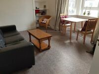 Lovely, bright and spacious one-bed flat for rent in Abbeyhill