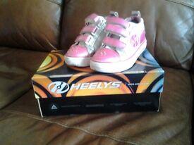 Girls heeleys size 11