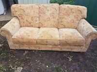 Bargin Fabric 3 seater sofa very clean and free delivery