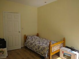 Room Available in Felling-Gateshead (Very good for Students).