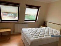 1 bedroom in Linkway, London, N4 (#1081428)