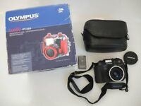 OLYMPUS DIGITAL CAMERA AND WATERPROOF SCUBA CASE EXCELLENT CONDITION