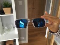Oakley polarized blue lens