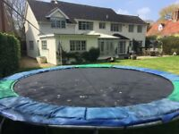 Large very sturdy kids trampoline 14'