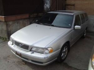 1999 Volvo V70 ~ LEATHER ~ SUNROOF ~ AS-IS ~
