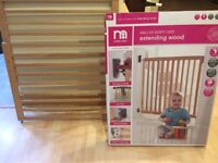 Wall fix safety gate for babies. Real wood. 63.5cm min width, 106cm max width